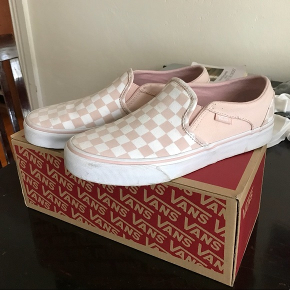 71898c44ff94 Vans Shoes - Checkered Vans- White and Sepia Rose- Size 7.5